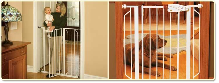 Regalo Easy Step Extra Tall Walk-Through Gate Lifestyle Shot