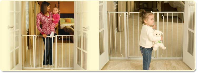 Regalo Easy Open Super Wide Walk-Through Gate Lifestyle Shot