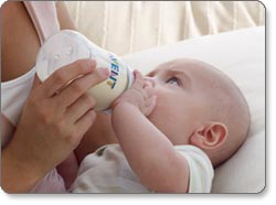 Philips AVENT BPA-Free 4-Ounce Natural Feeding Bottle with Newborn-Flow Nipple