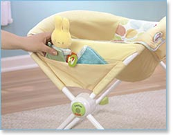 Fisher Price Newborn Rock 'n Play Sleeper, Yellow - Storage pocket