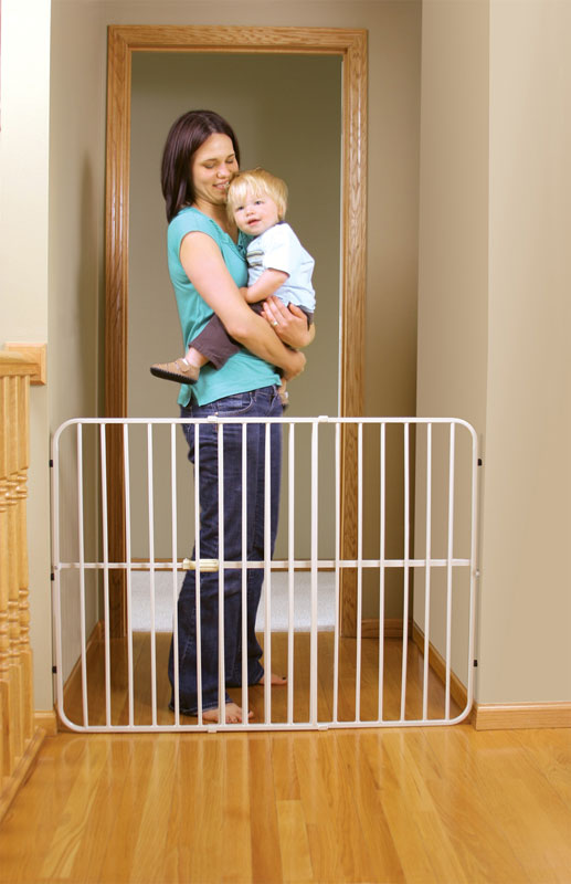 Regalo Extra Tall Guardian Expandable Gate, White (Discontinued by