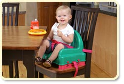 Regalo Right Height Booster Seat - safety harness and a dual-strap design