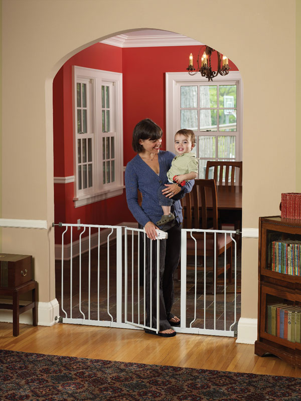Regalo Extra Wide Walk Through Gate Product Shot