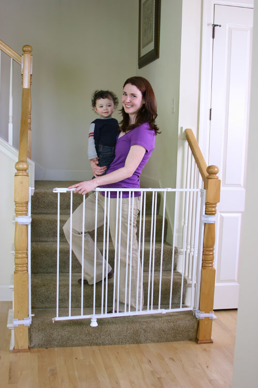 Regalo Extra Tall Top Of Stairs Gate Product Shot