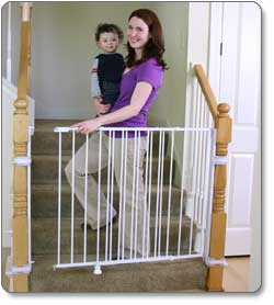 Regalo Extra-Tall Top Of Stairs Gate Product Shot