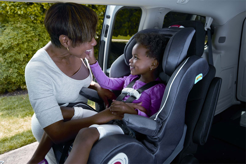 Graco Smart Seat All In One Car Lifestyle Shot