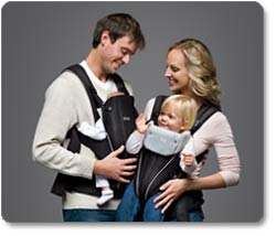 BRITAX BABY CARRIER, Black Lifestyle Shot