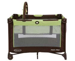 Graco On The Go Pack 'n Play Playard, Go Green Product Shot