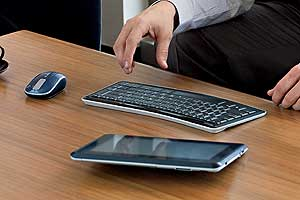 Bluetooth Mobile Keyboard 5000