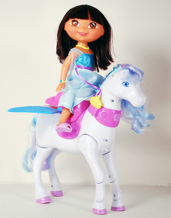 Amazon.com: Fisher-Price Dora Saves the Snow Princess Prance & Fly