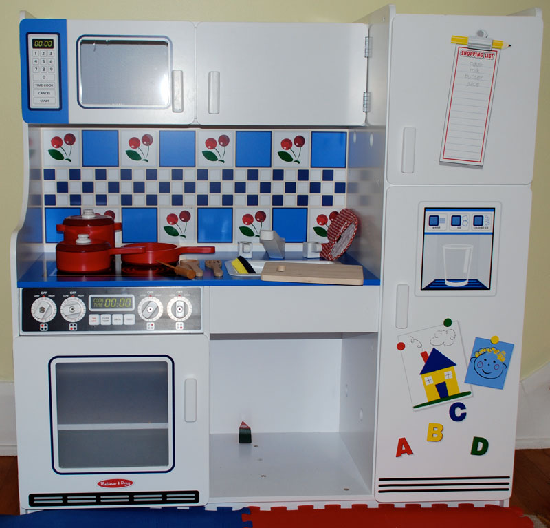 buy melissa doug 2607 deluxe kitchen online at low prices in india rh amazon in melissa & doug kitchen accessory set melissa & doug kitchen set