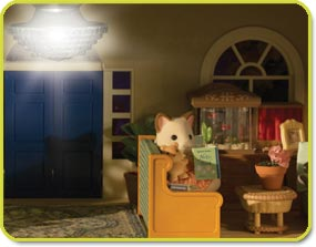 Calico Critters Cloverleaf Manor - light