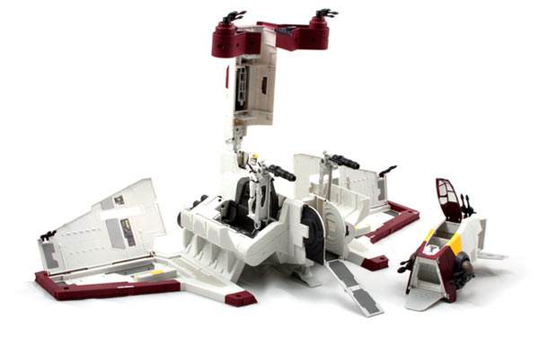 STAR WARS REPUBLIC ATTACK SHUTTLE Product Shot