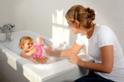 Specially designed for bathtime play, Tidoo floats in the tub and