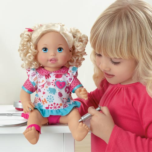 Amazon.com: Little Mommy Doctor Mommy Doll: Toys & Games