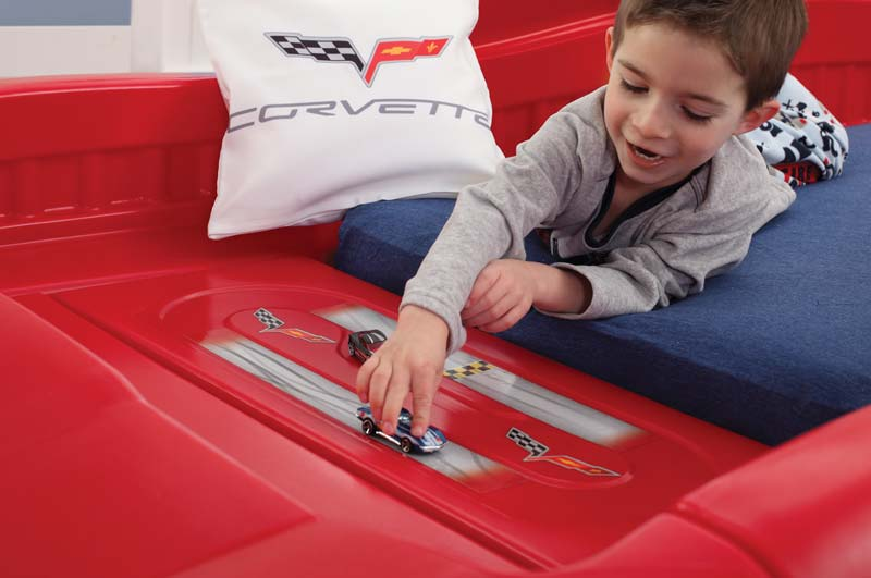 step2 corvette bed with lights red silver