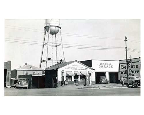 Pure Oil Gas Station in Woodruff South Carolina, 1941