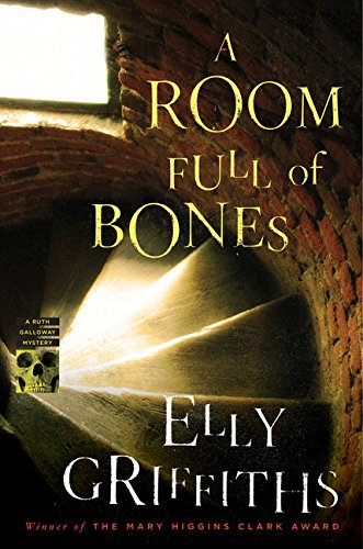 A Room Full of Bones: A Ruth Galloway Mystery (Ruth Galloway Mysteries), Griffiths, Elly