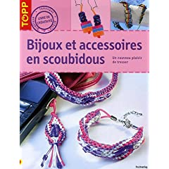 Bijoux et accesoires en scoubidou