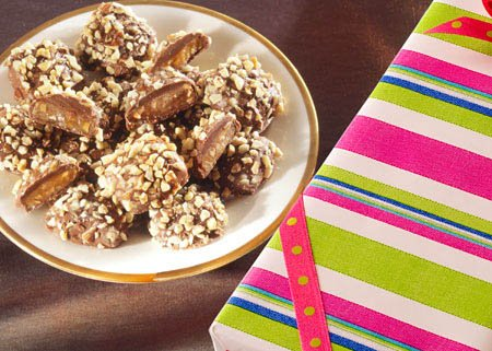 English Toffee with Diced Almonds, 9 oz. Wrapped Gift Box