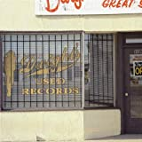 Capa de Dwight's Used Records