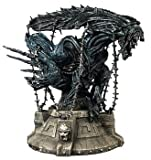 Alien Vs Predator Captive Queen Statue