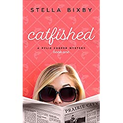 Catfished: A Rylie Cooper Mystery (Rylie Cooper Mysteries Book 1)
